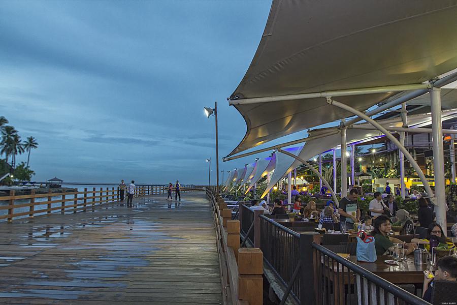 Asiknya Menyantap Hidangan Laut Bersama Sunset Asiknya Menyantap Hidangan Laut Bersama Sunset bandar4 250117 {focus_keyword} Asiknya Menyantap Hidangan Laut Bersama Sunset bandar4 250117