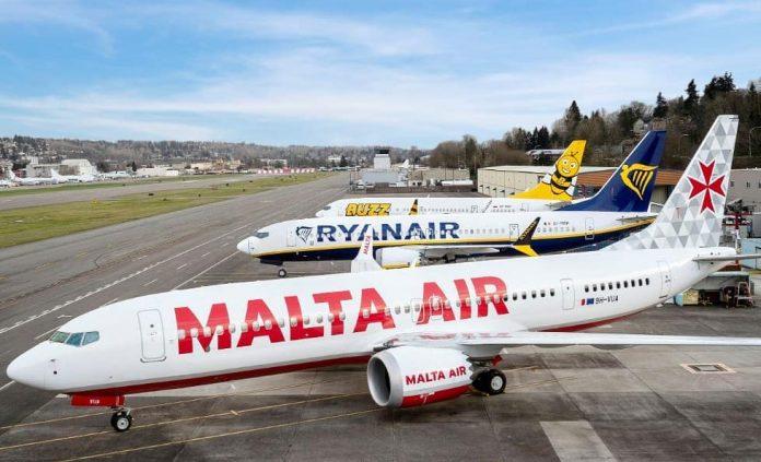 Maskapai Ryanair telah menerima pengiriman pesawat Boeing 737-8200MAX (Msn. 623...